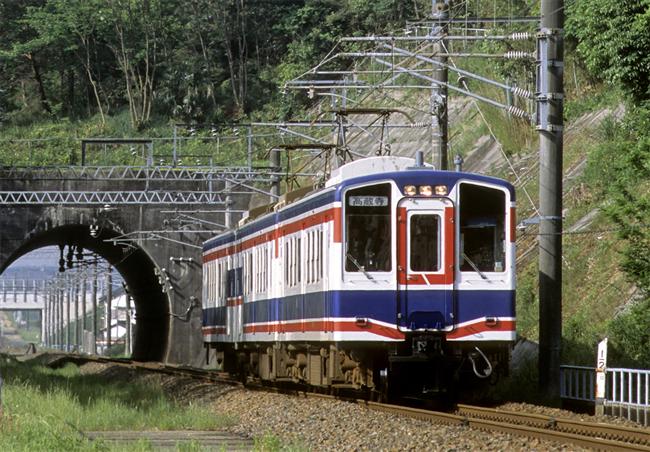 300型はどんな電車?Weblio辞書
