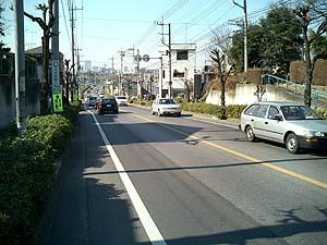2車線の道路