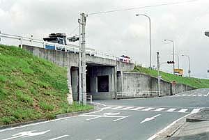 道路と道路の立体交差の画像
