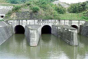 地下の水路