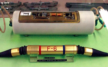 CS-12M 海底同軸ケーブル中継装置