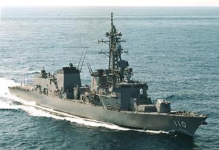 護衛艦「たかなみ」型