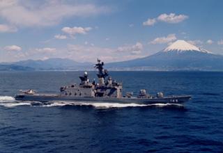 護衛艦「しらね」型