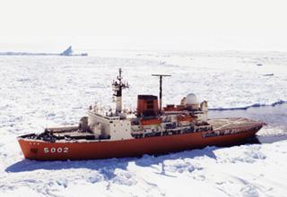 砕氷艦「しらせ」型