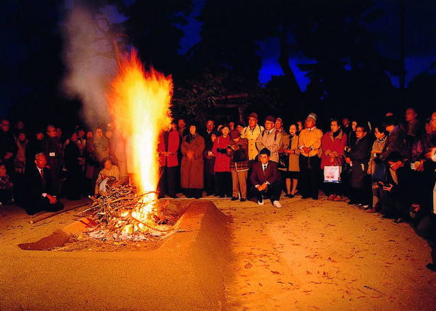 須賀川牡丹園の牡丹焚火