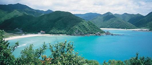 写真:白砂が美しい高浜(福江島西岸)