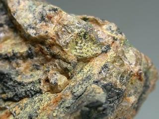 鉄珪蒼鉛石