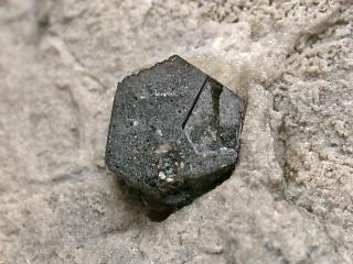 ブロッソ石
