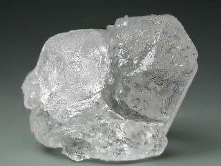 カーナル石