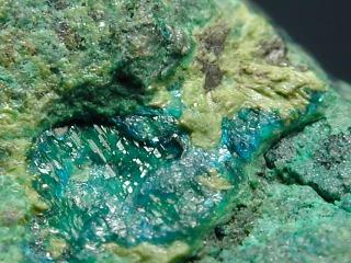 含水セレン銅鉱