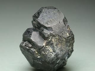 コルンブ石