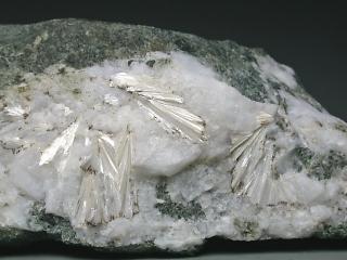 ドミスタインベルグ石