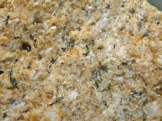 デュモルチ石