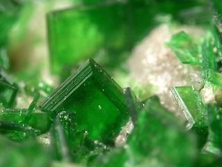 燐銅ウラン石