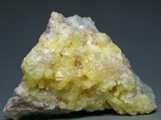 エトリング石