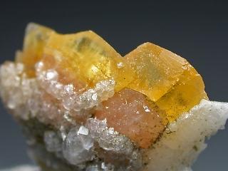 フレスノ石