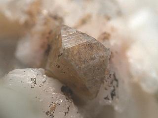 ガドリン石