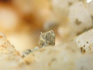 ヒンガン石