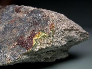 イドリア石