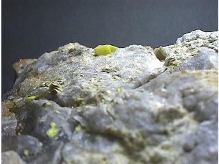 燐灰ウラン鉱