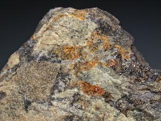 マンガンベルゼリウス石