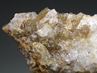 モサンドル石