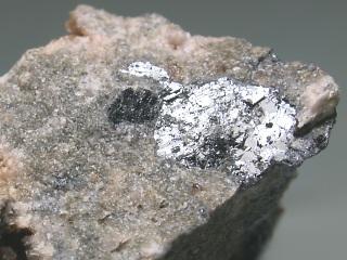 ナギヤグ鉱