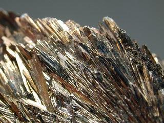 軟マンガン鉱