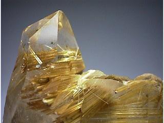 ルチル入り水晶