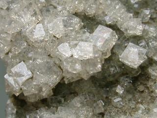 菱沸石とは何? Weblio辞書