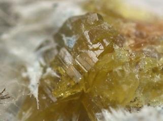 ストロンチウム斜方ジョアキン石