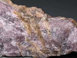 ヴォンネミオク石