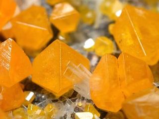 モリブデン鉛鉱