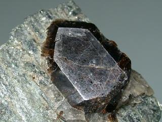 イットロくさび石