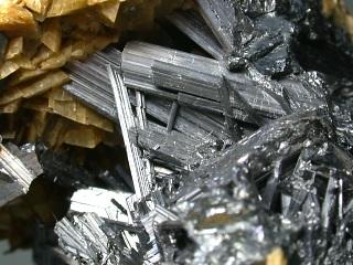 ジンケン鉱