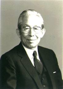 前川 春雄