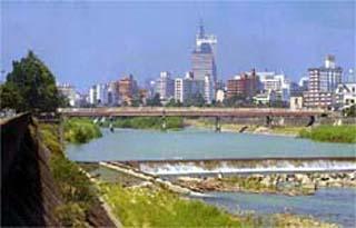 100万都市仙台市を流れる名取川水系広瀬川