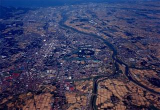 高田平野を流れる関川