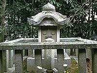 元三大師母の廟