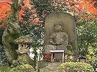 西教寺の石仏