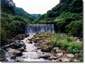 万内川十号堰堤