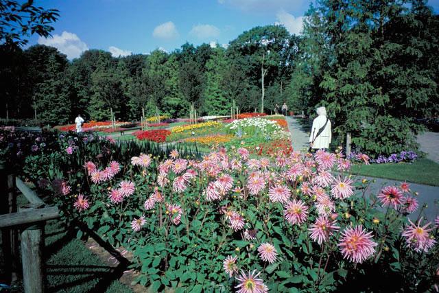 キューケンホフ公園とは - Weblio辞書