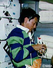 スペースシャトルのコックピット